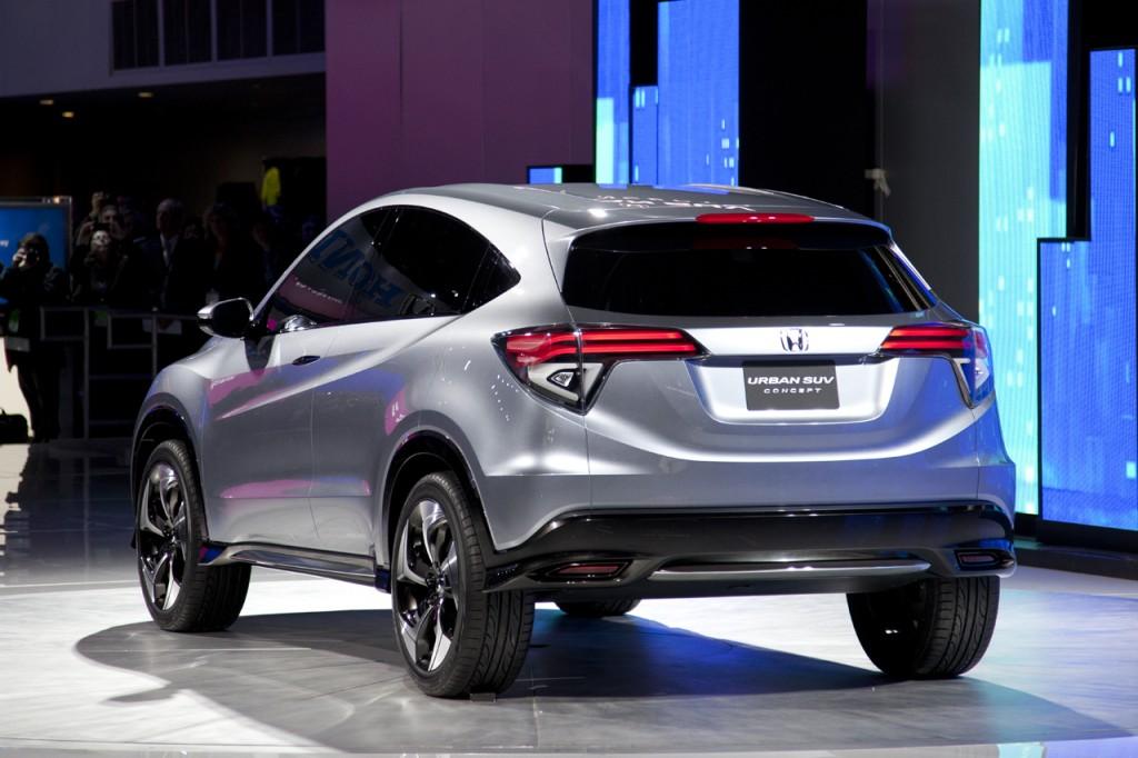 2015 Honda CR-V Will Cost $23,320, Arrive at Dealerships Tomorrow