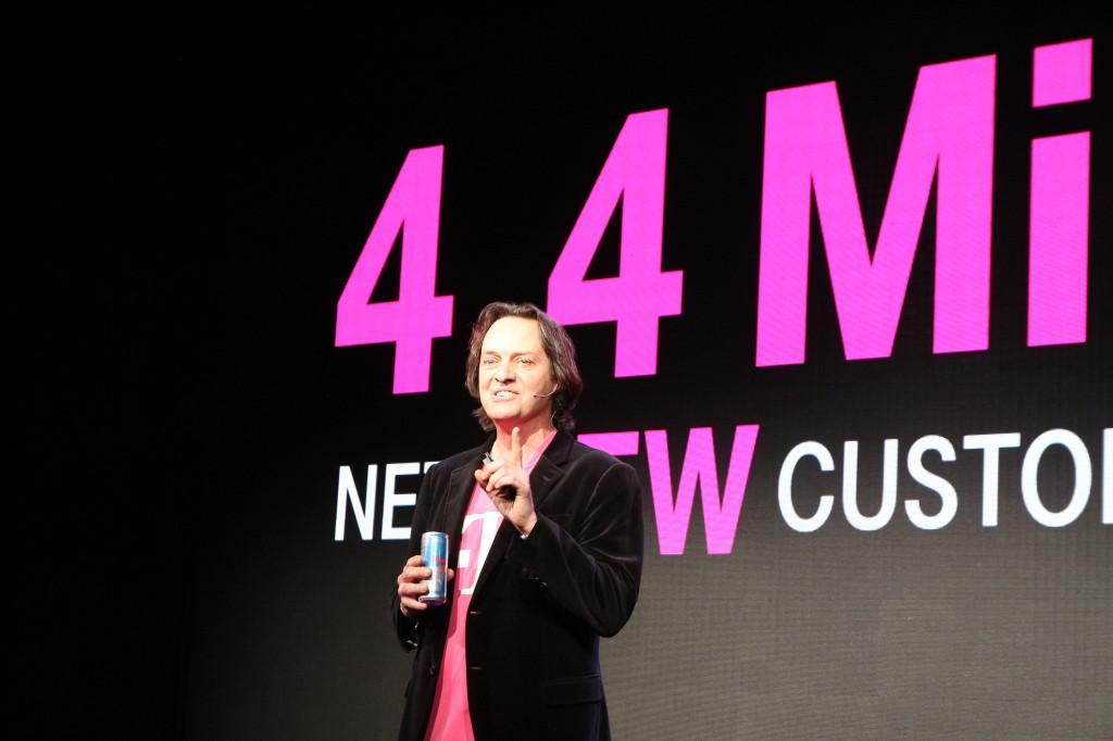 T-Mobile's John Legere Pushes iPhone 6 Plus, Calls Bunk on Bendgate