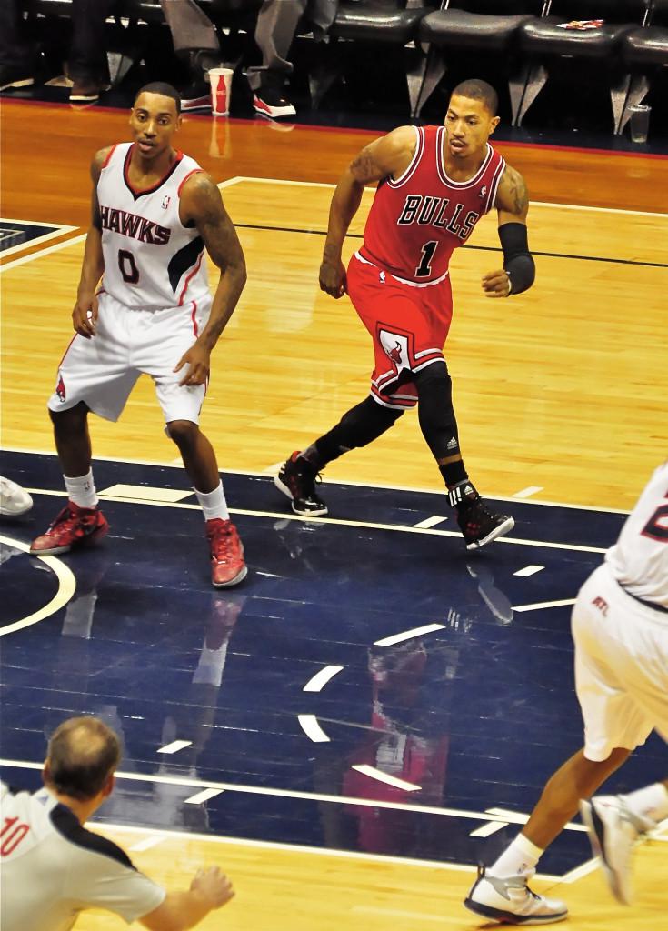 """Derrick Rose Injured as Bulls Beat Raptors, But Claims It's """"Minor"""""""