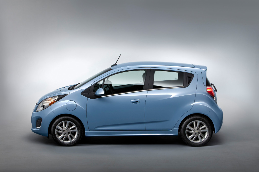 2015 Chevy Spark EV Gets Discounted to $26,820 without Tax Credits