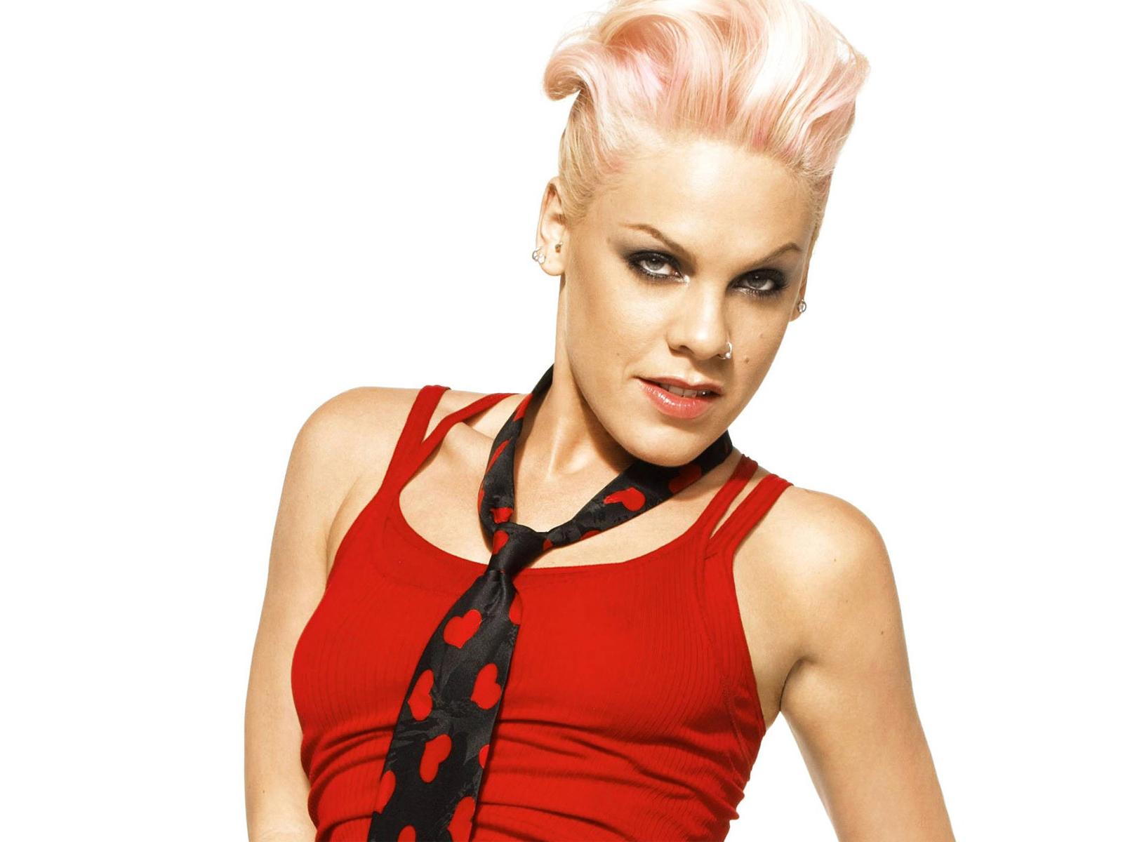 Pink named UNICEF amba...